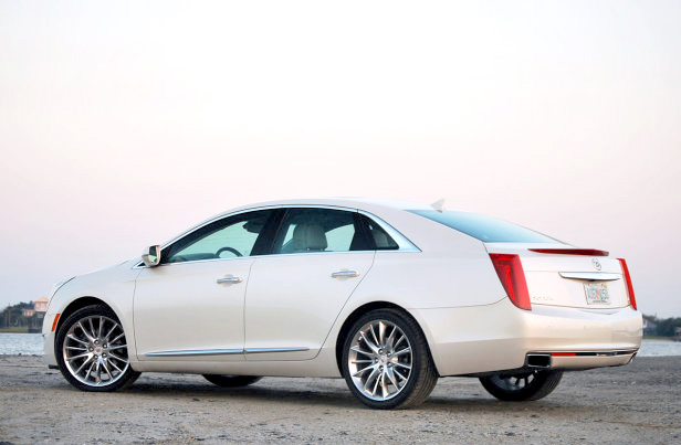 Review 2013 Cadillac XTS Luxury Sedan