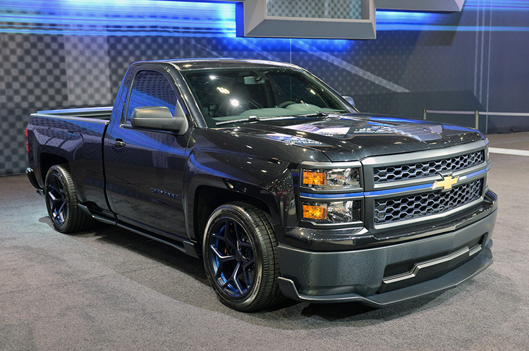 2014 chevrolet silverado cheyenne edition pickup review. Black Bedroom Furniture Sets. Home Design Ideas