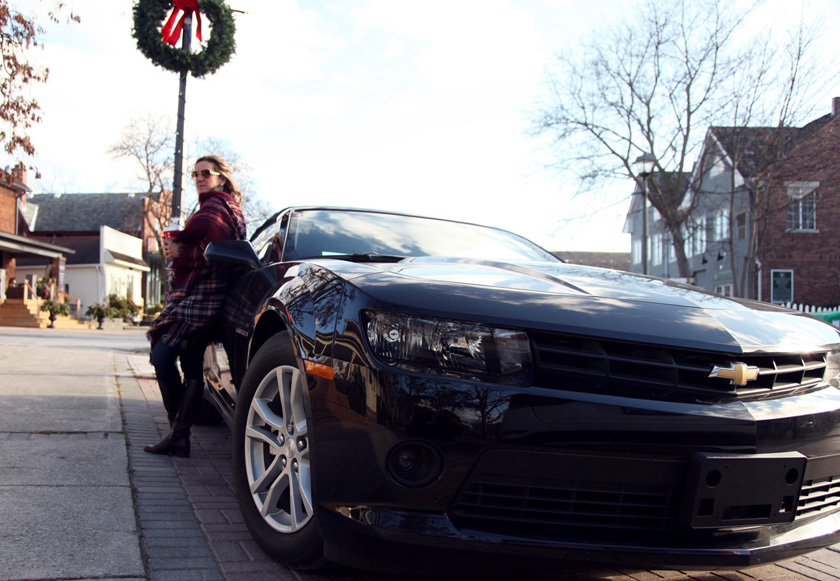 Black 2015 Chevy Camaro in Kleinburg, Ontario