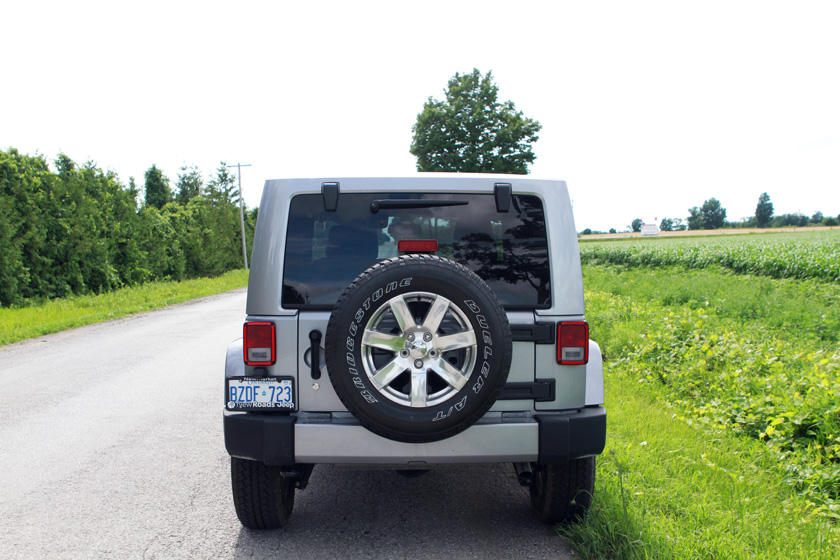 2016 Jeep Wrangler rear photo