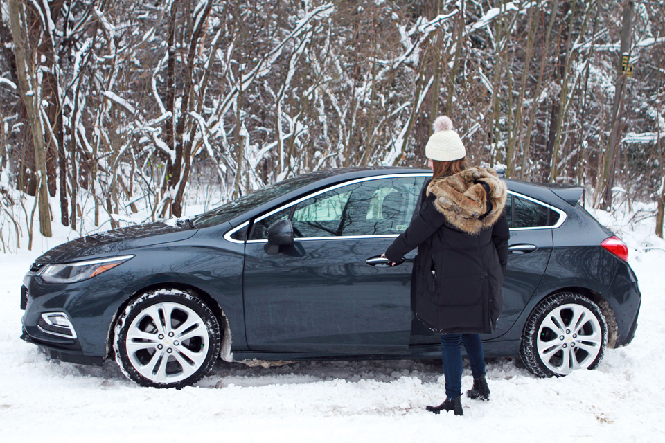 Chevrolet Cruze in snow