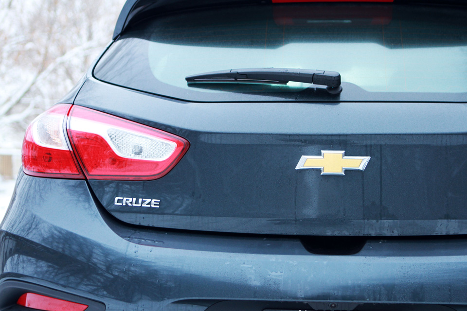 Chevy Cruze Hatchback photo