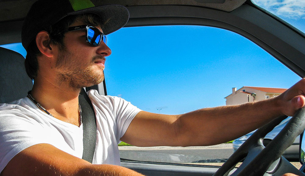 9e518c787a1 Choosing the Best Sunglasses for Driving
