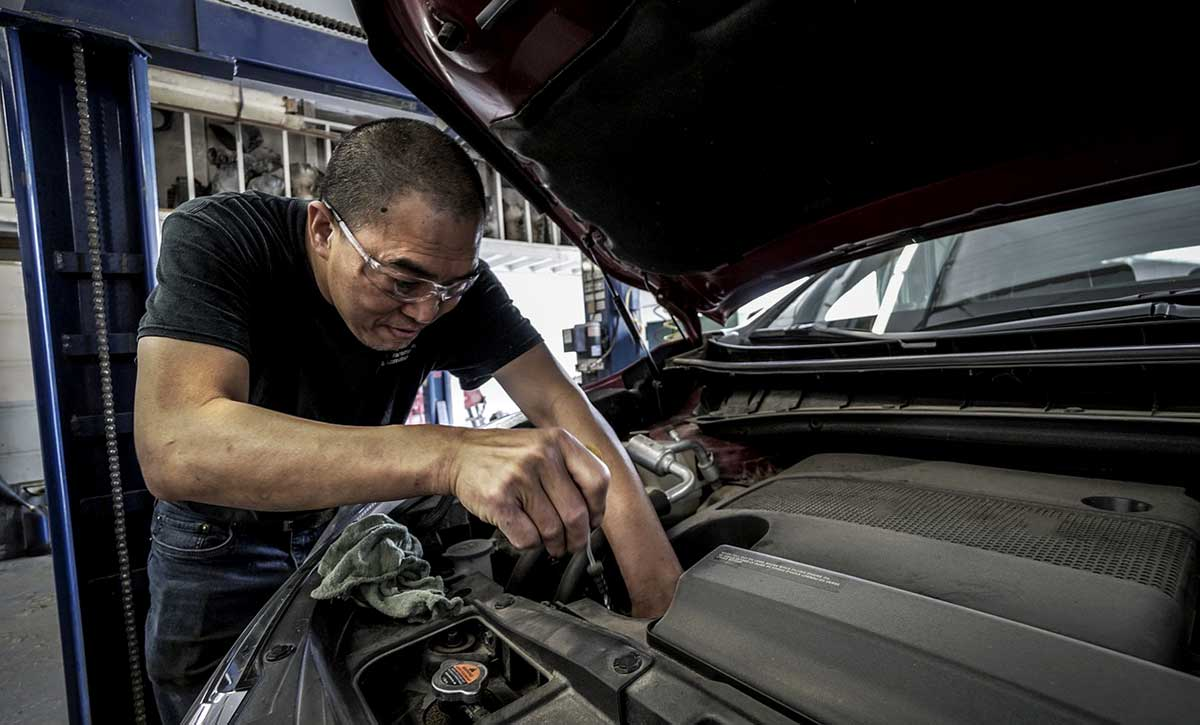4 Vehicle Maintenance Skills for Everyone